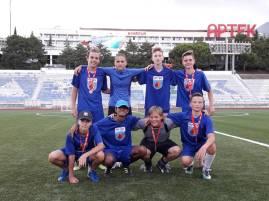 Gagnants de la médaille d'argent au tournoi de football.