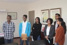 Nadish GOORIAH et Smriti SANMUKHIYA entourés de leurs parents